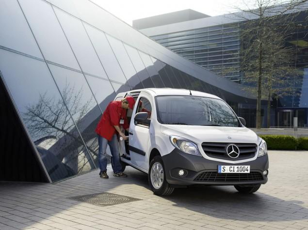 Mercedesbenzcitan12c454_01635x475